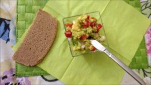 Avocado in salsa guacamole fatta da me!